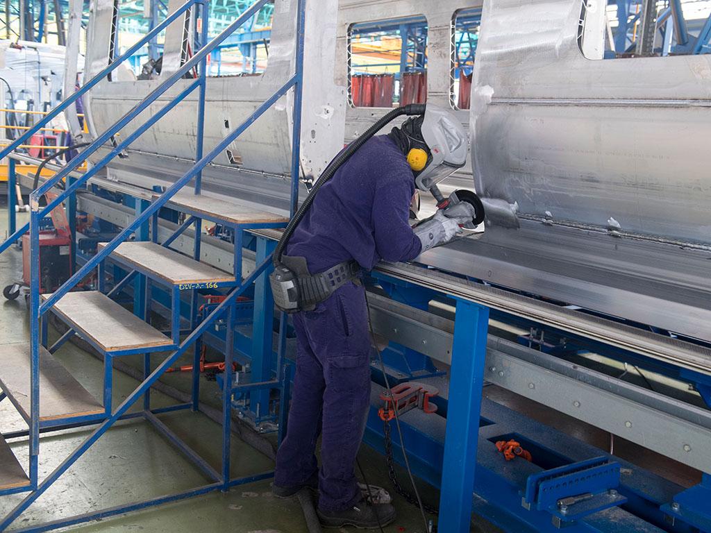 [xkldquocte] Xuẩt khẩu lao động RUMANI - Tuyển 50 thợ hàn làm việc tại công ty sản xuất toa tàu xe lửa RUMANI 2019